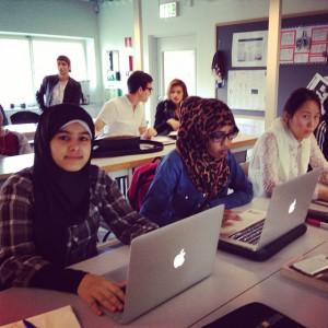 Några av eleverna på Globala gymnasiet.