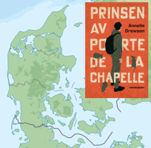 """Omslaget till """"Prinsen av Porte de la Chapelle"""" framför en karta över Danmark."""